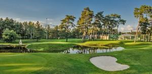 Budowa pola golfowego / galeria pól golfowych - 6 dołkowe pole golfowe pitch & putt z pawilonem golfowym i zadaszonym driving range Aquilla Park.