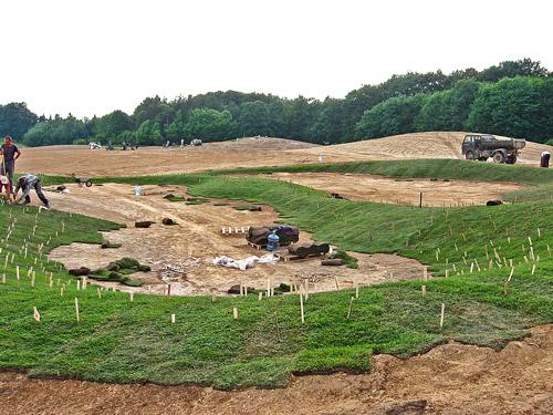 Budowa pola golfowego - darniowanie i hydrosiew to zabezpieczenia przeciw erozji na budowanych polach golfowych.