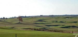 Budowa pola golfowego / galeria pól golfowych - akademia golfowa z zadaszonym driving range i 6 dołkowym polem w Krakow Valley Golf & Country Club.