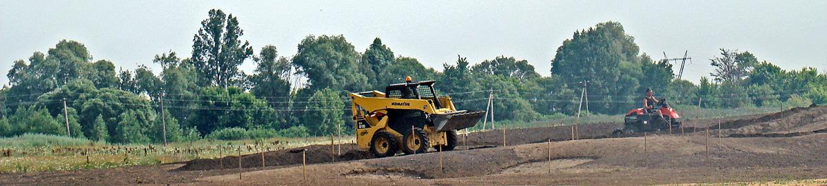 Budowa pola golfowego - wkomponowanie green, przygotowanie warstwy wegetacyjnej green approaches na polu golfowym.