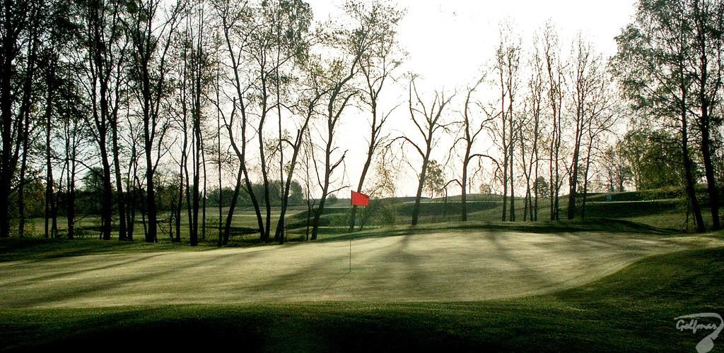 Budowa pola golfowego, galeria pól golfowych - greeny i approach dołków na gotowym polu golfowym Mazury Golf.