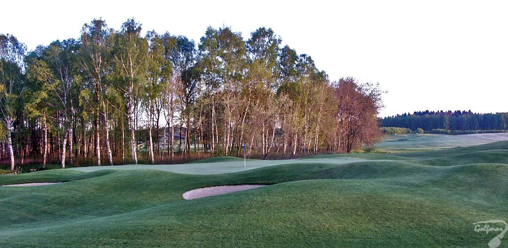 Budowa pola golfowego, galeria pól golfowych - greeny dołków na gotowym polu golfowym Mazury Golf.