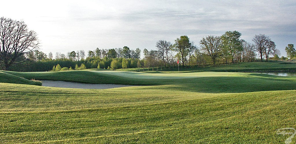 Budowa pola golfowego, galeria pól golfowych - green dołka golfowego na gotowym polu golfowym Mazury Golf.